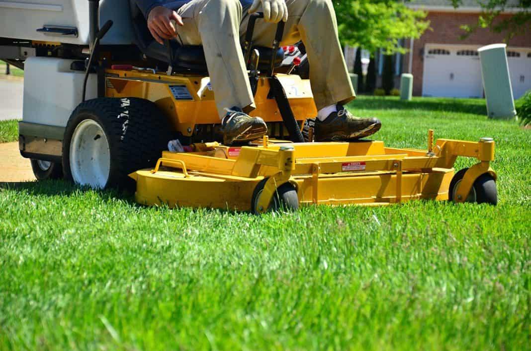 Zero turn lawn mower in action