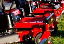Zero turn lawn mowers