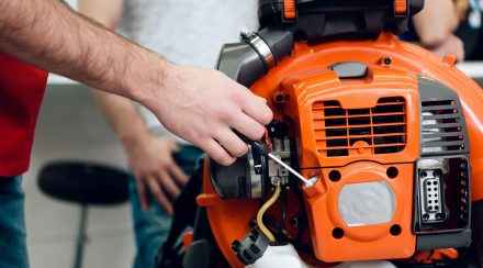How to Clean a Leaf Blower Fuel Filter