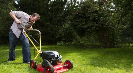 I Can't Pull My Lawnmower Cord Hard Enough – What To Do?