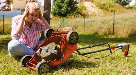 Here's How to Tell Which Side of the Lawn Mower Blade is Up